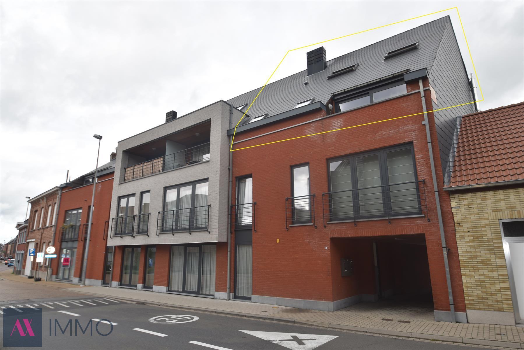 Duplex appartement met 3 slpk., 2 badk., terras en garage. Vrij vanaf 01/01/2020.