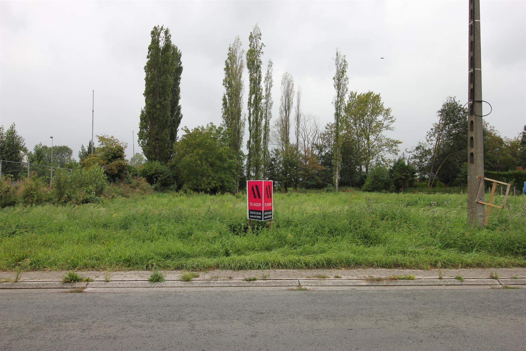 Bouwgrond voor open bebouwing gelegen nabij de Schelde