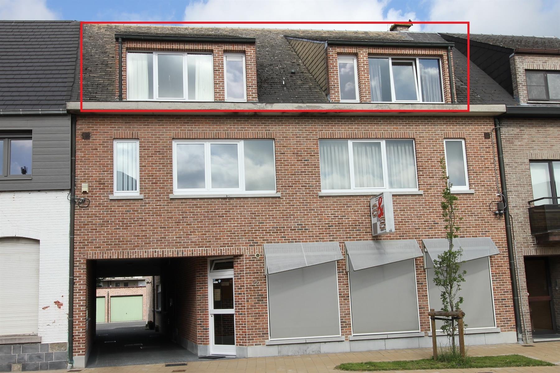 Aangenaam 2-slaapkamer appartement met ruim terras op de tweede verdieping